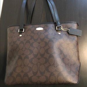 Coach Signature Top Zip Shoulder Bag